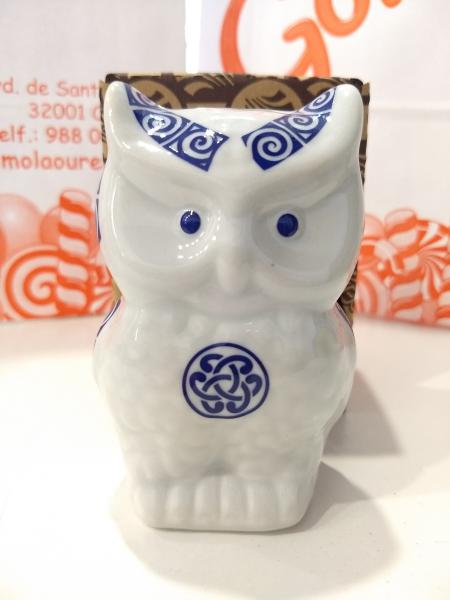 Búho de la suerte en porcelana