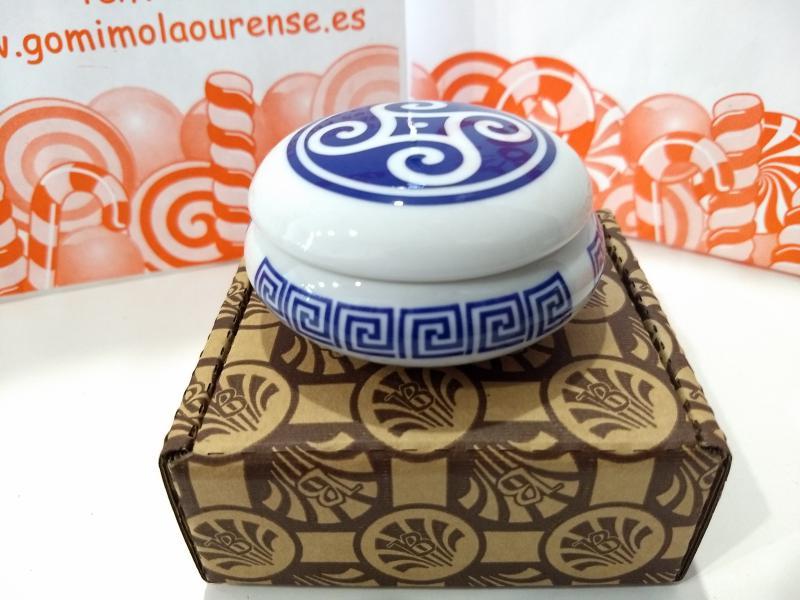 Joyero redondo en porcelana de Galicia