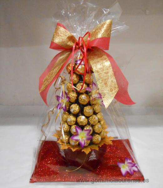 Arbol de bombones ferrero Navidad